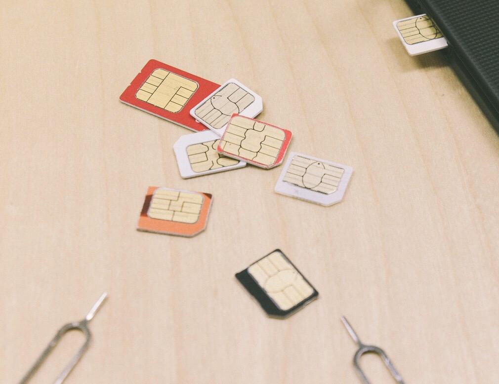 iPhoneXS SIMカード