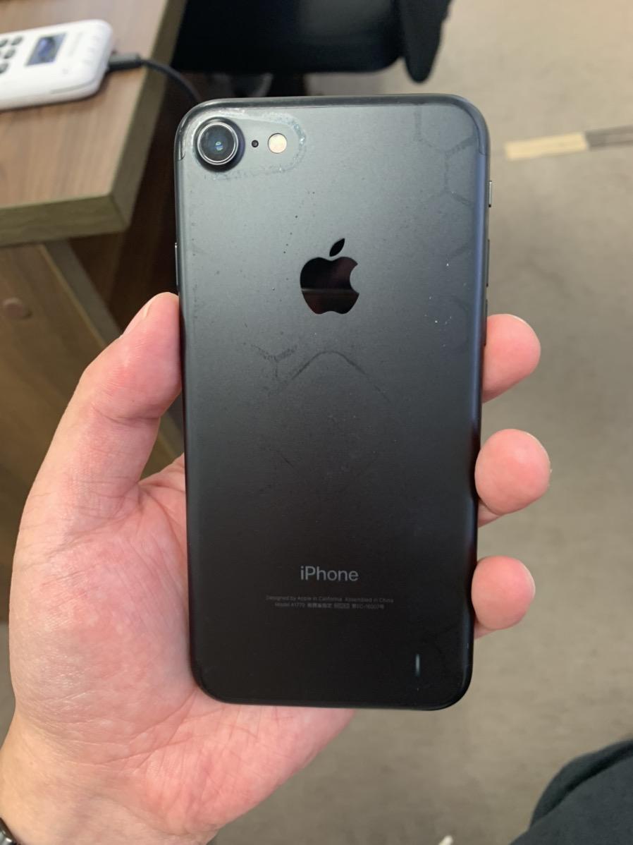 iPhone7 128GB マットブラック softbank ○ 中古品