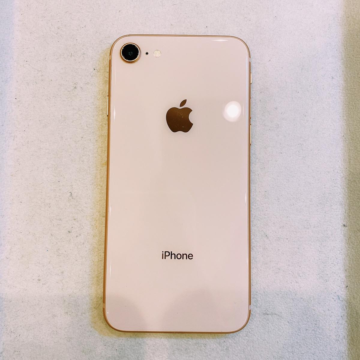 iPhone8 64GB ゴールド au〇 中古