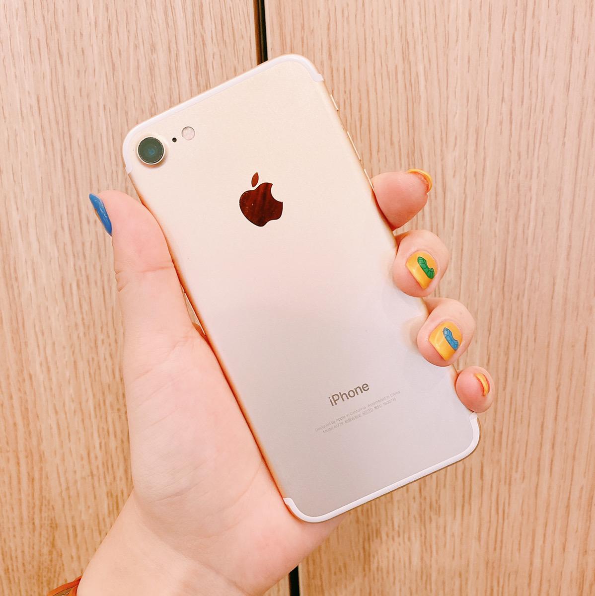 iPhone7 32GB ゴールド SIMフリー 中古