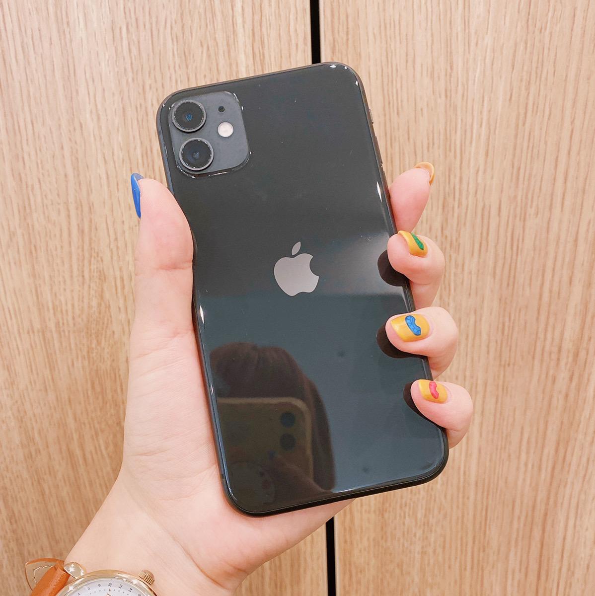 iPhone11 128GB ブラック au△ 中古