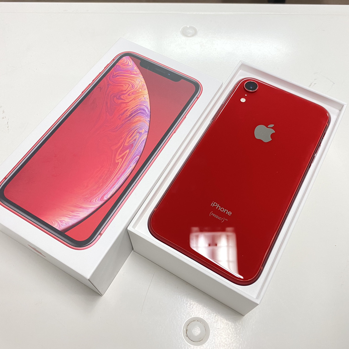 iPhone XR 64GB レッド au○ 中古 正常動作品