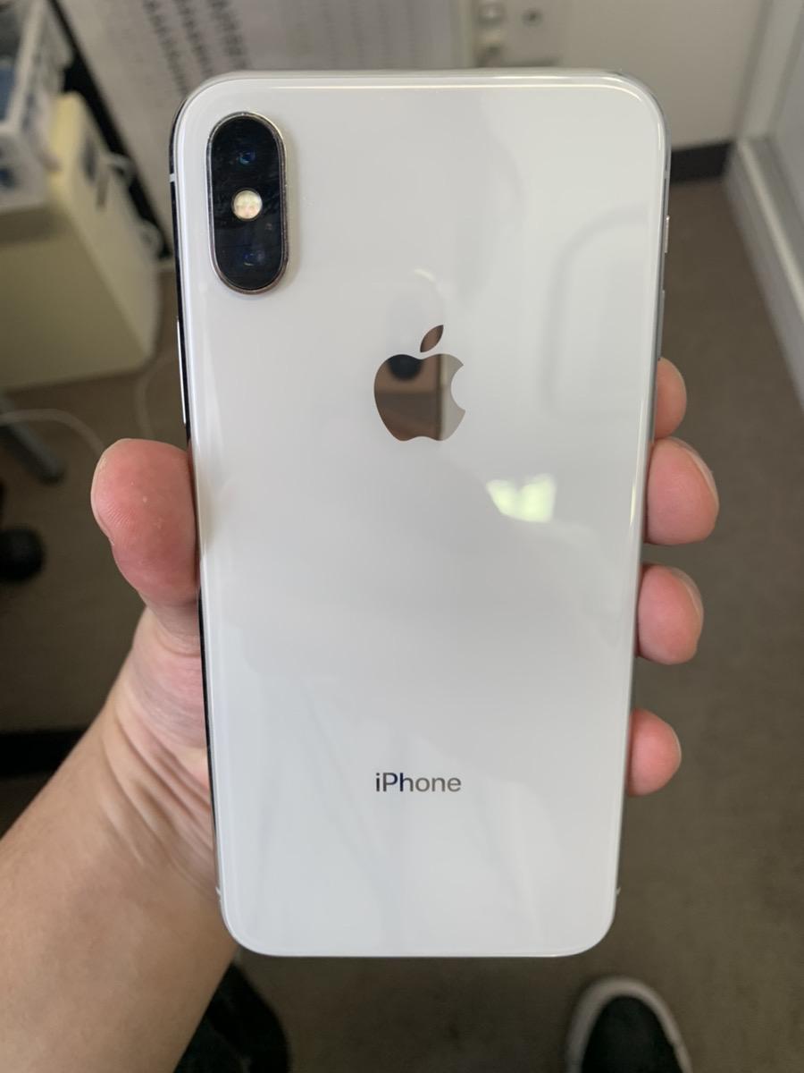 iPhoneX 256GB シルバー au△ SIMロック解除品 中古品