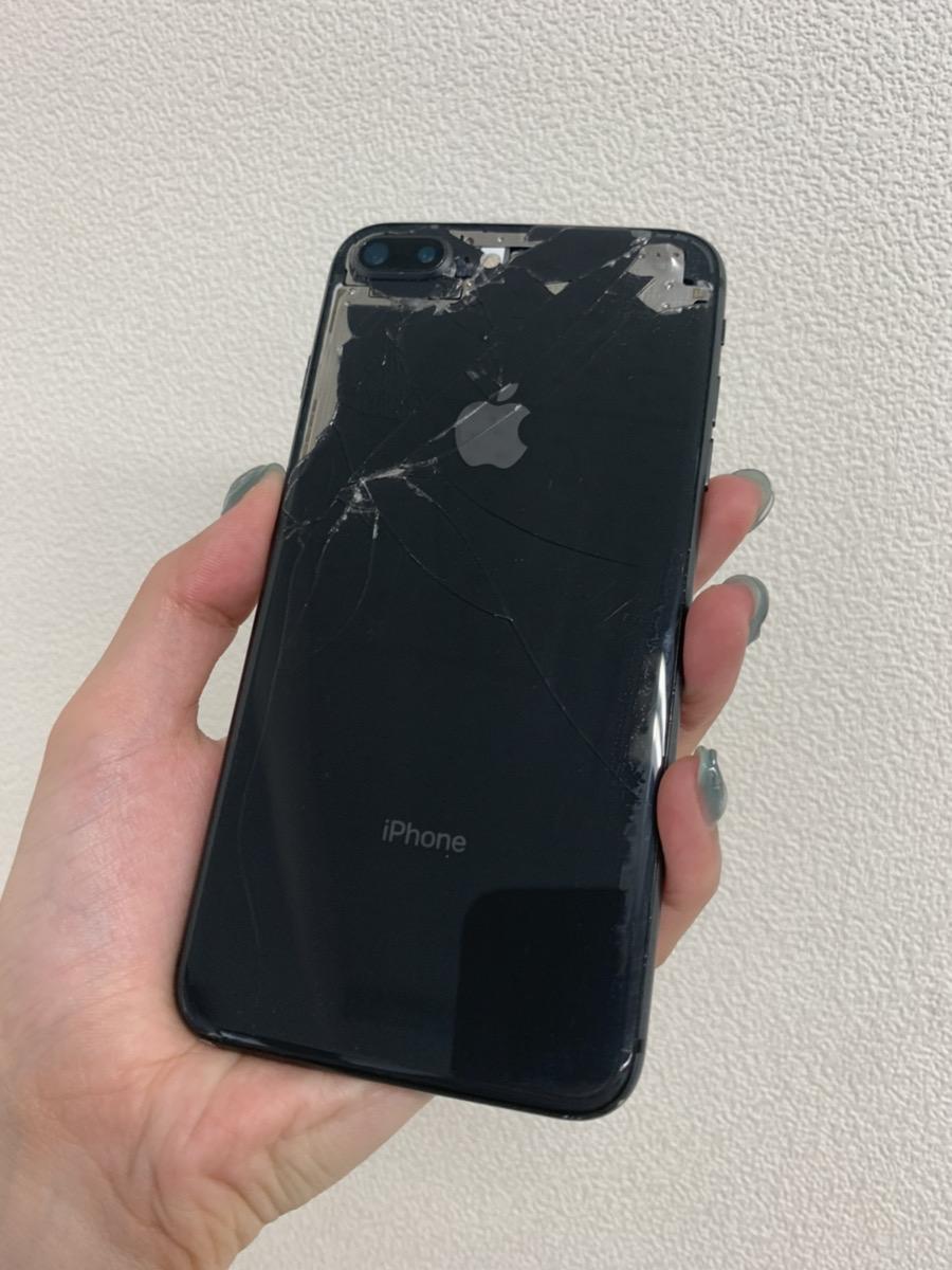 iPhone8Plus 256GB ゴールド docomo○ ジャンク品(背面割れ・アウトカメラ故障)