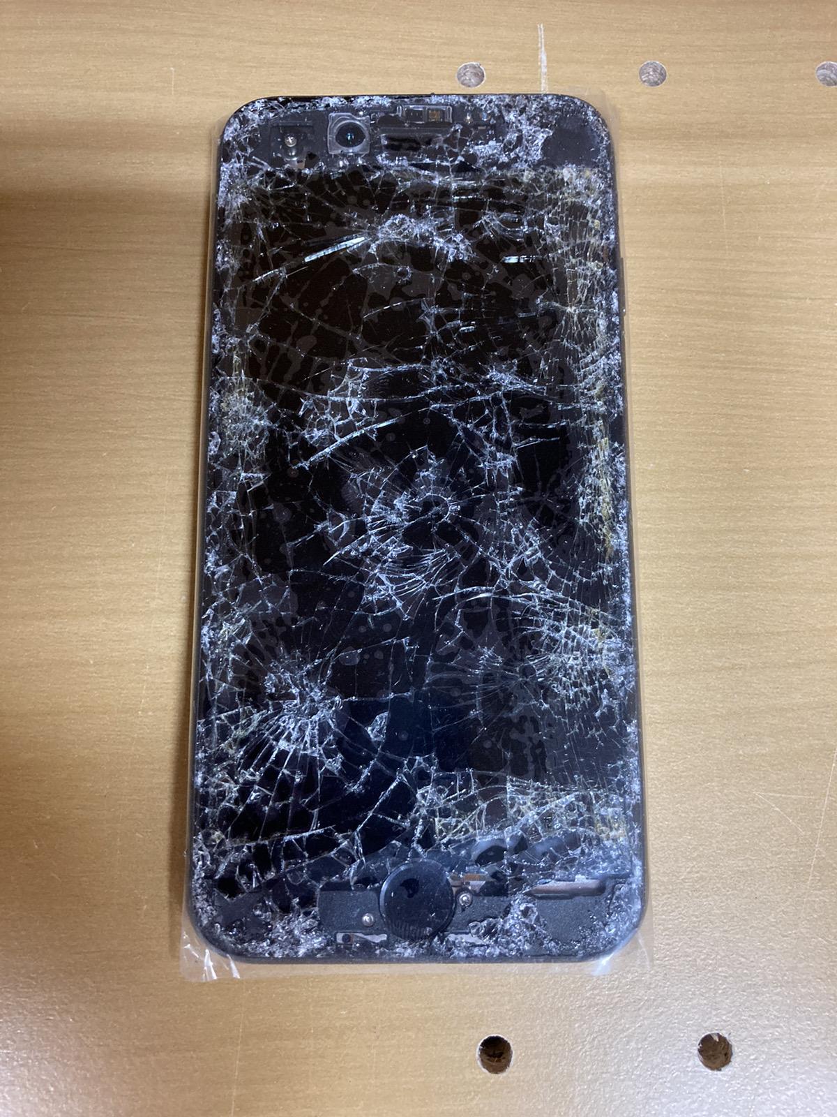iPhone8 64GB SB△ SIMロック解除品 本体のみ(画面割れ/起動不可)