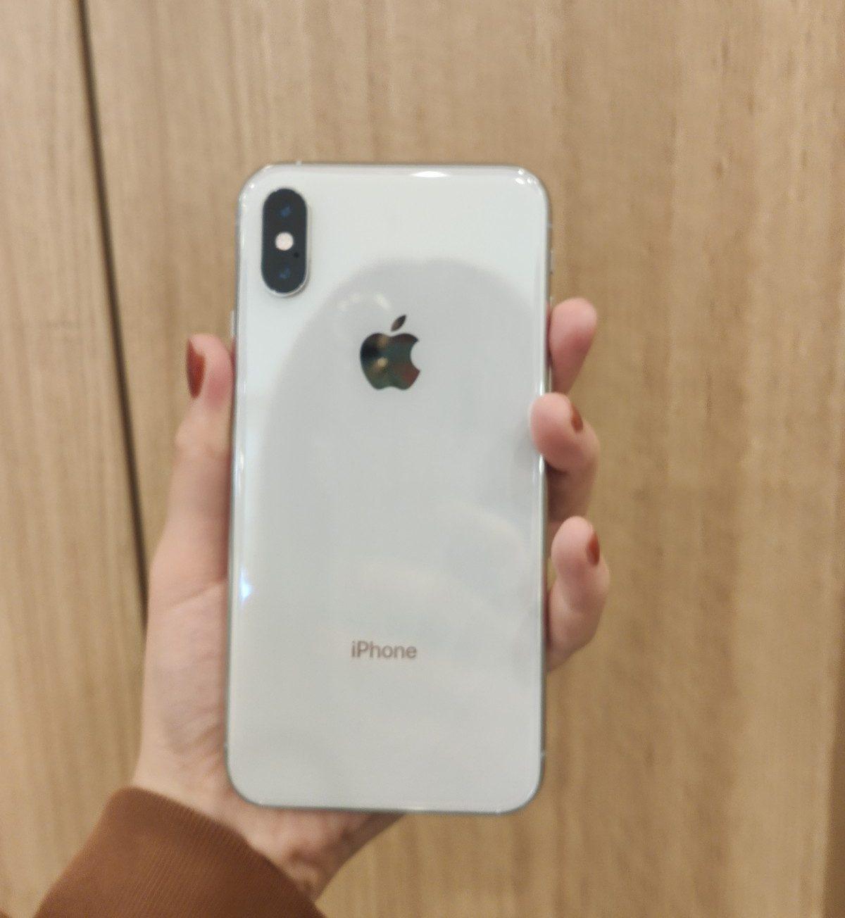 iPhoneXS 256GB シルバーSoftbank △中古 SIMロック解除済