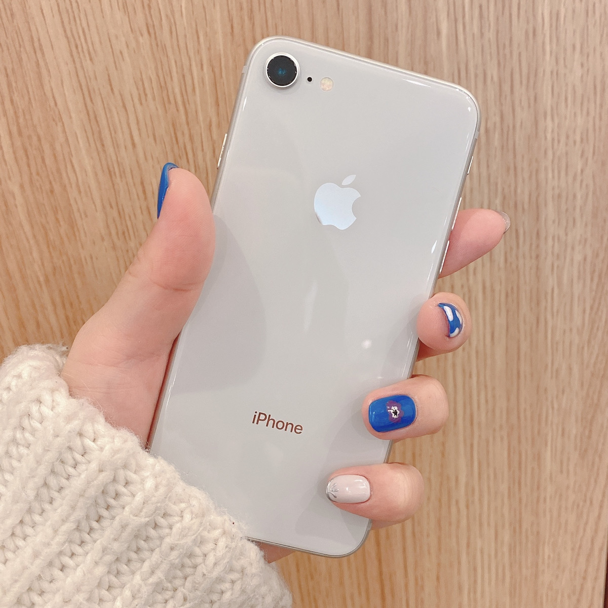iPhone8 64GB シルバー Softbank〇 中古 画面割れあり