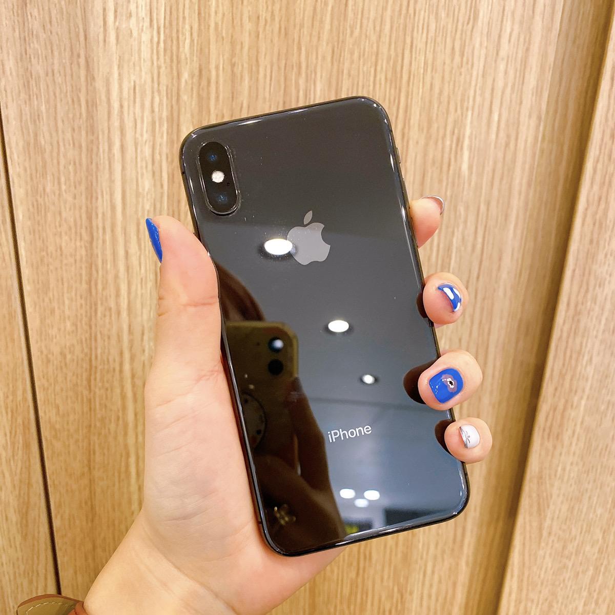 iPhone8 64GB シルバー au〇 中古