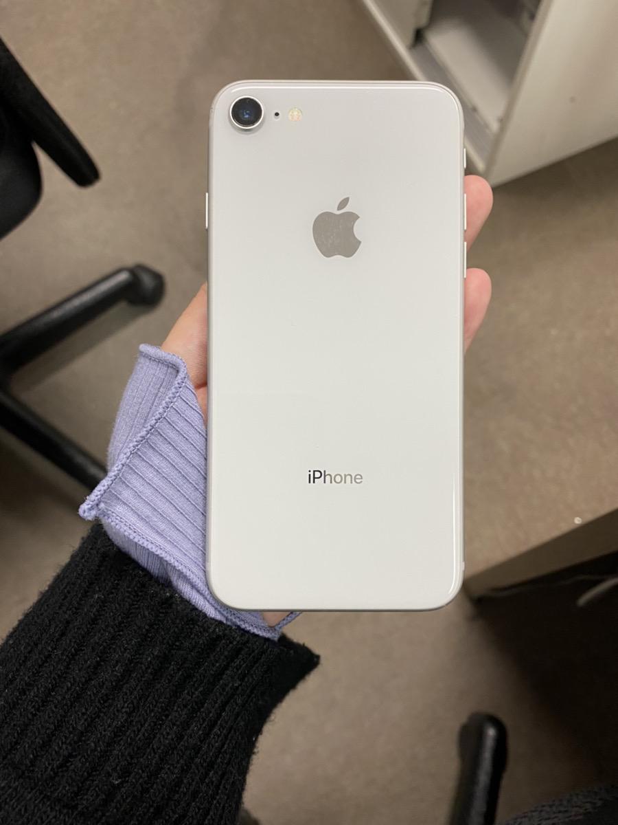 iPhone8 64GB シルバー SB 中古本体のみ 交換品 アウトカメラ故障品