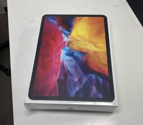 iPadPro第二世代 11インチ Wi-Fiセルラーモデル 256GB Softbank△ 新品未開封