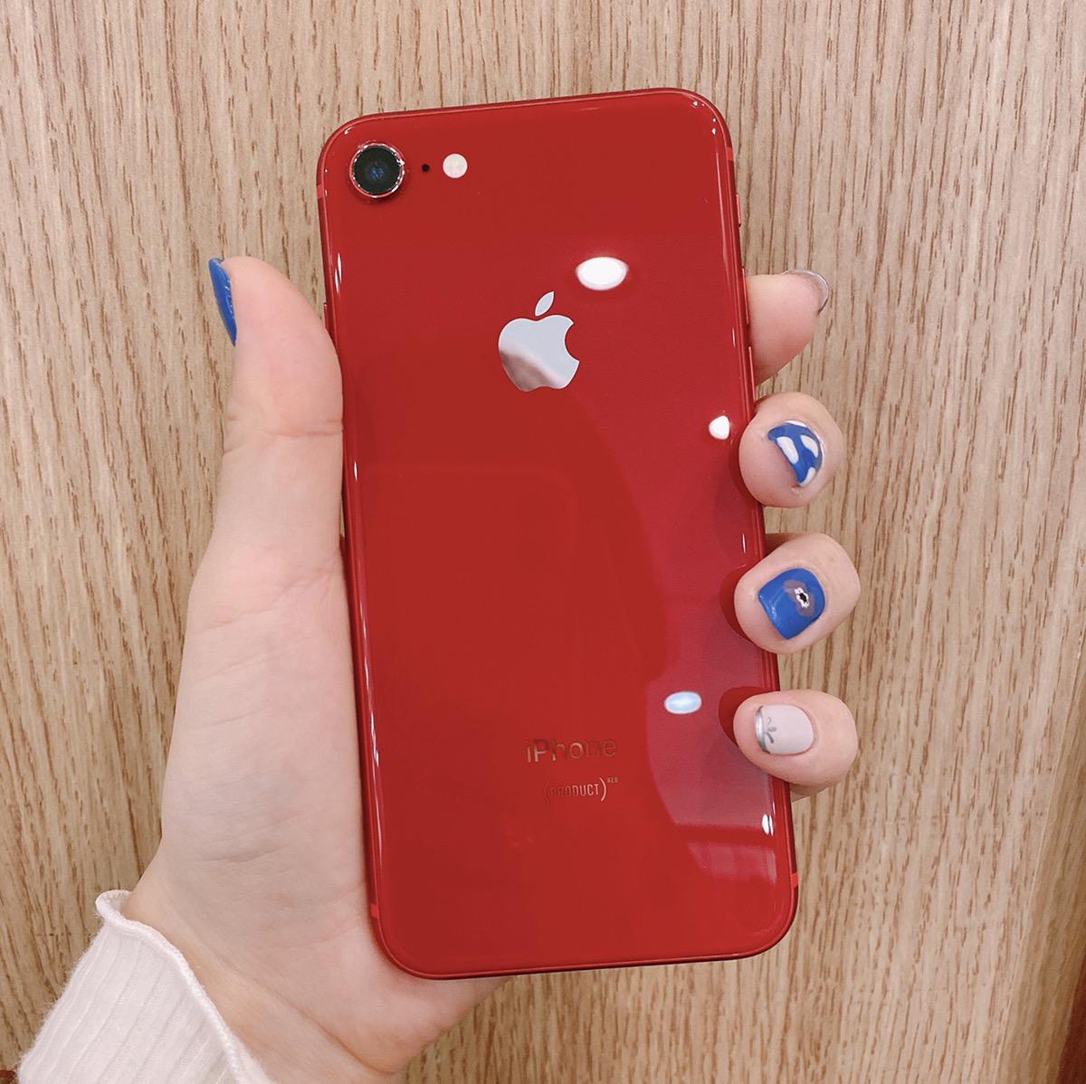 iPhone8 64GB レッド Docomo〇 中古
