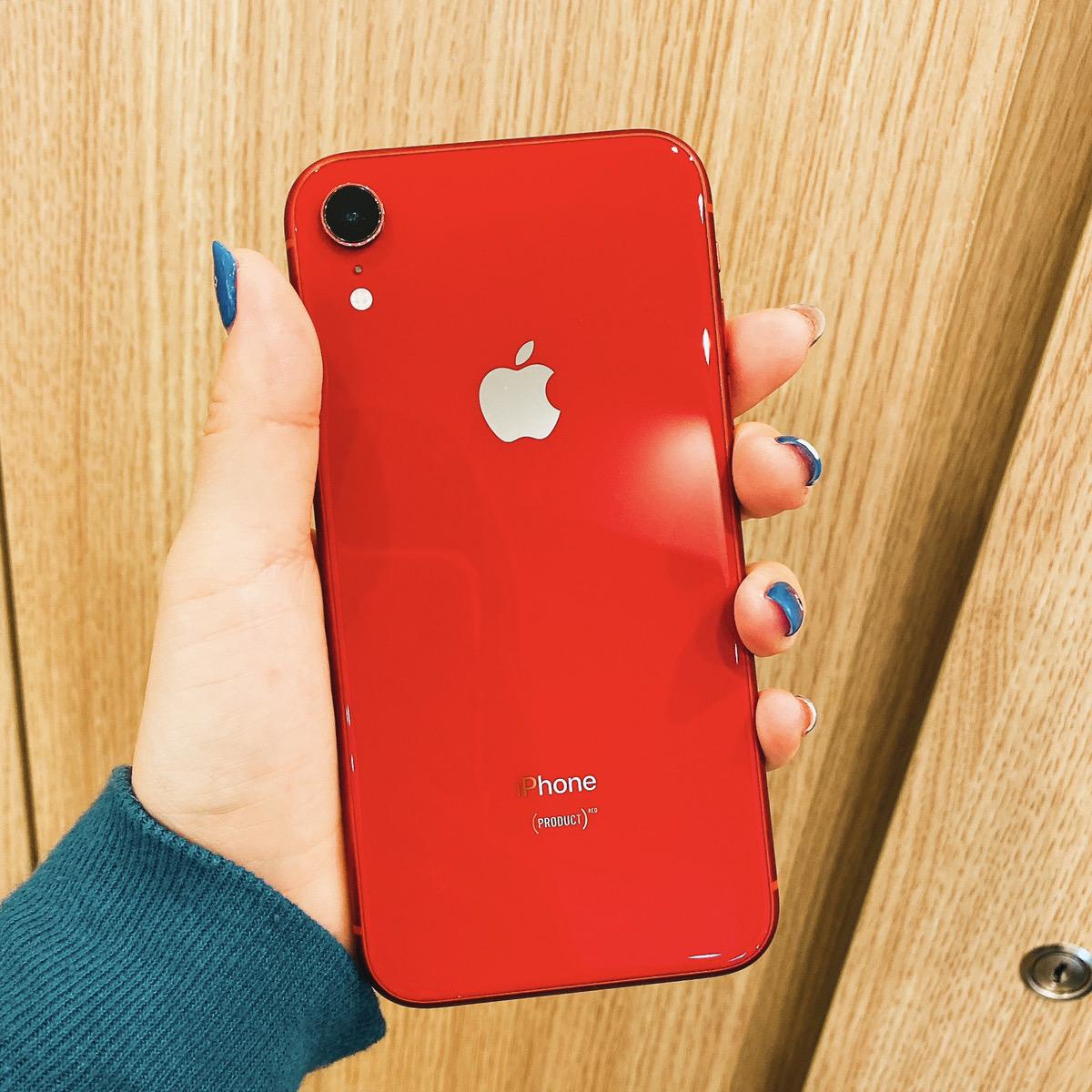 iPhoneXR 64GB レッド au△ 中古