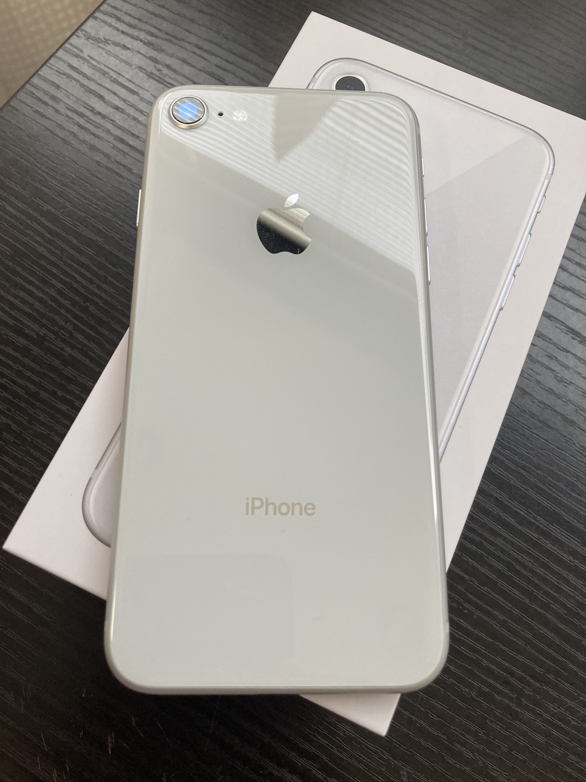 iPhone864GBシルバーSoftbank〇中古