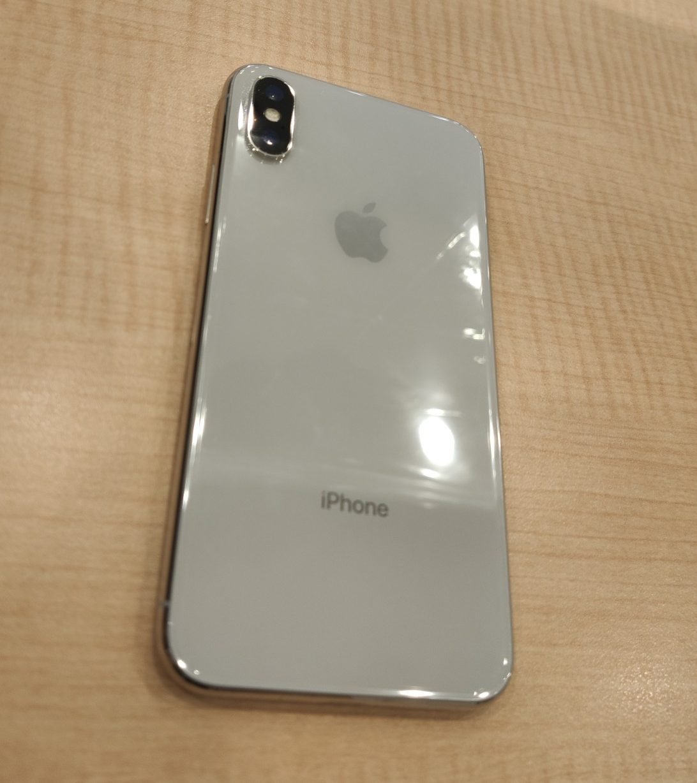 iPhoneX 256GB シルバー docomo 交換品中古