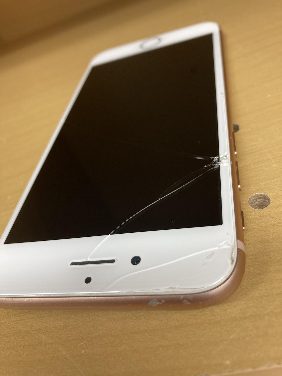 iPhone8 64GB SIMフリー画面割れ