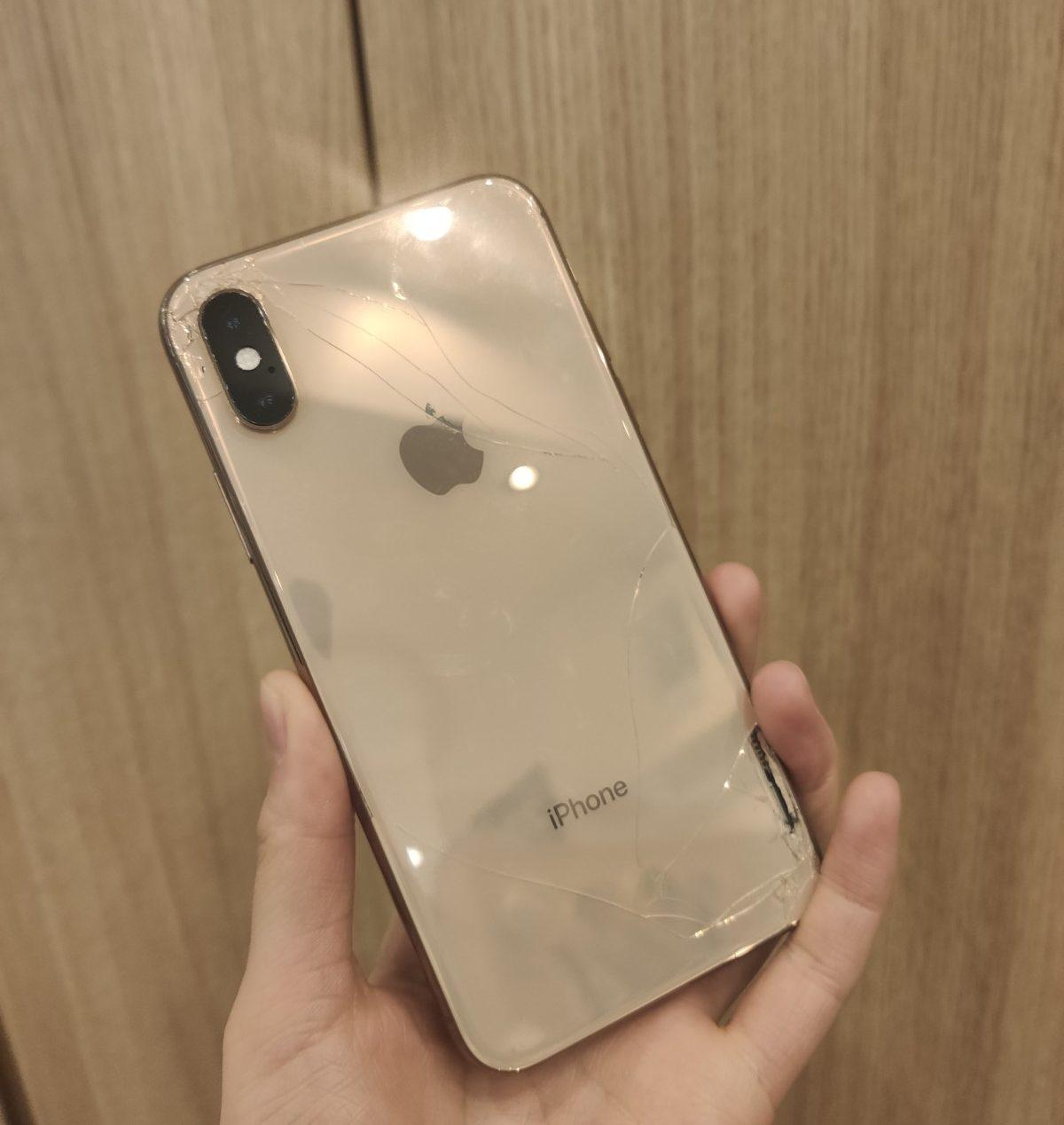 iPhoneXS 256GB シルバー Docomo △ ジャンク品