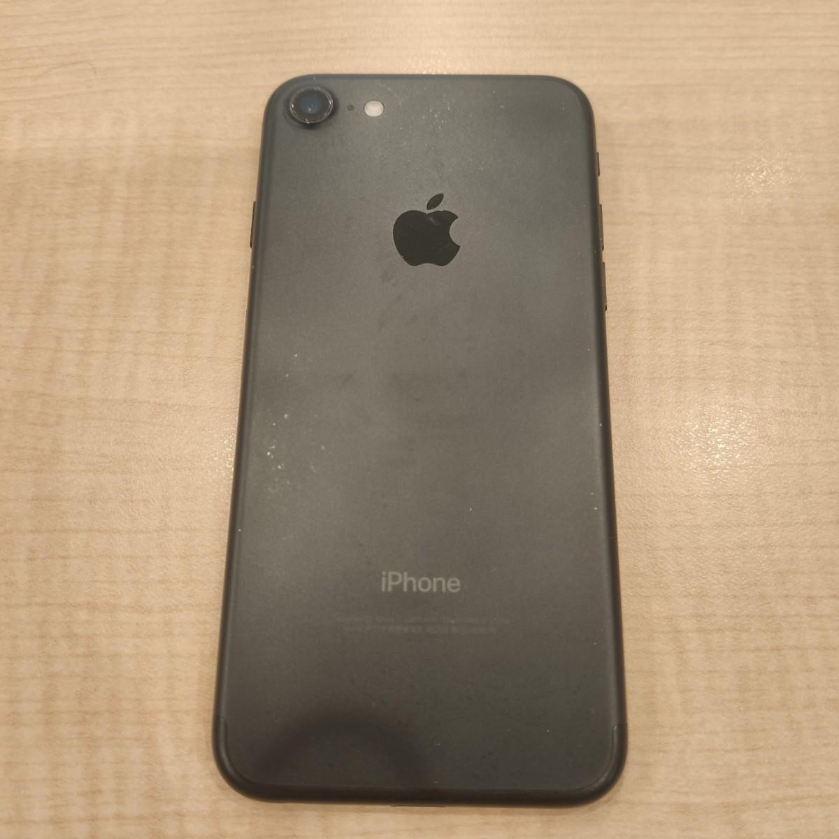 iPhone7 32GB ブラック Softbank 中古不良有り