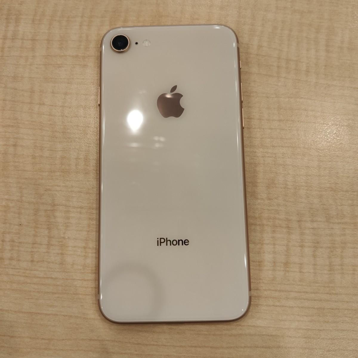 iPhone8 64GB ゴールド au △
