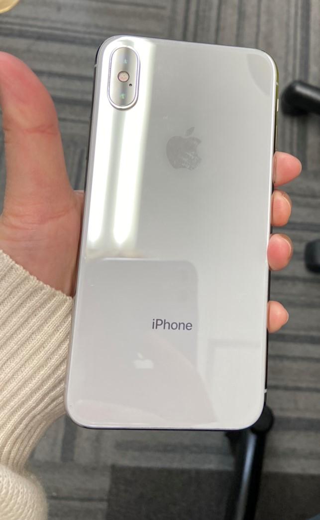 iPhoneXS 256GB シルバー