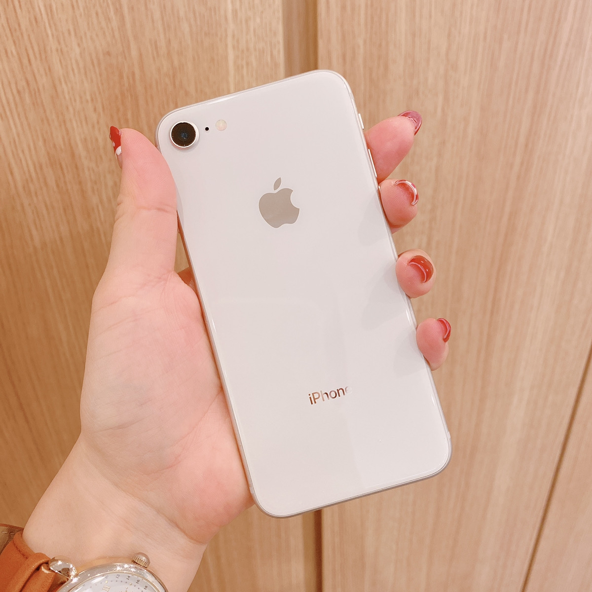 iPhone8 64GB シルバー Docomo〇 中古