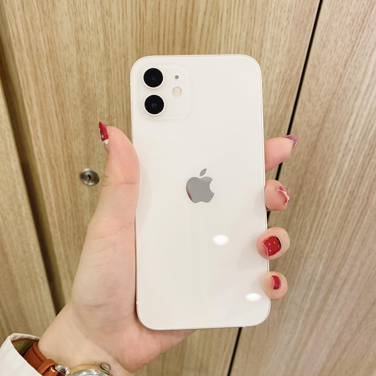 iPhone12 64GB ホワイト Docomo△ 中古