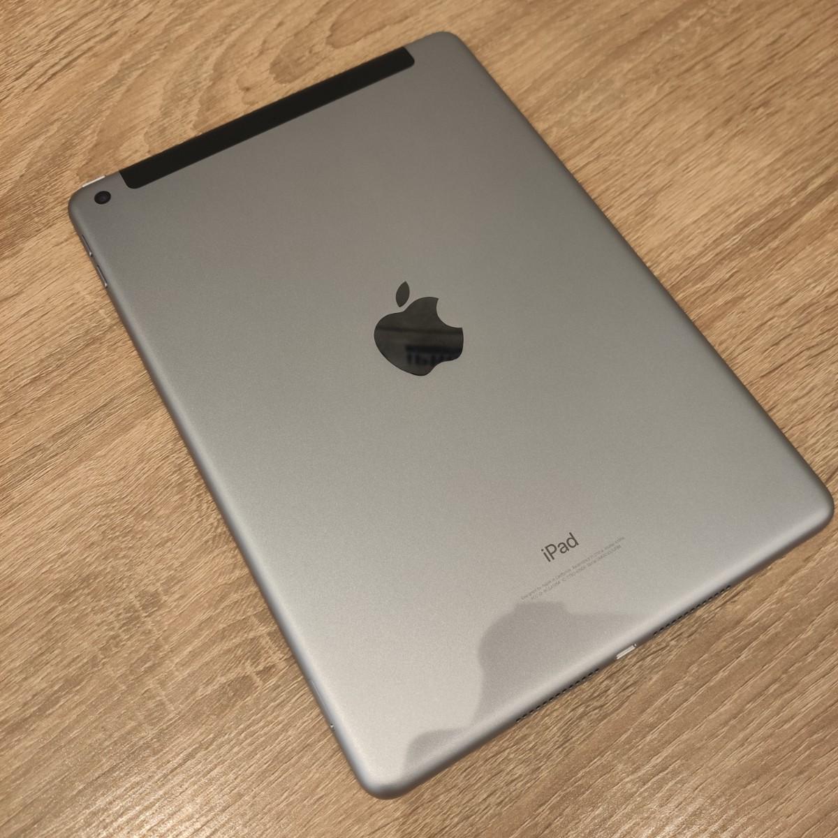 iPad6 32GBスペースグレーau 中古 残債あり