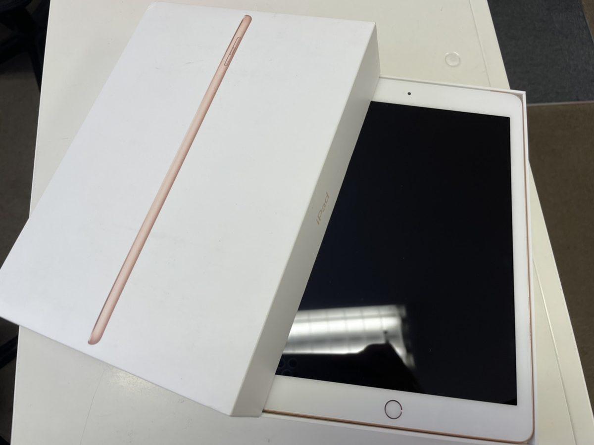 iPad第6世代128GBゴールドDocomo 〇 中古品