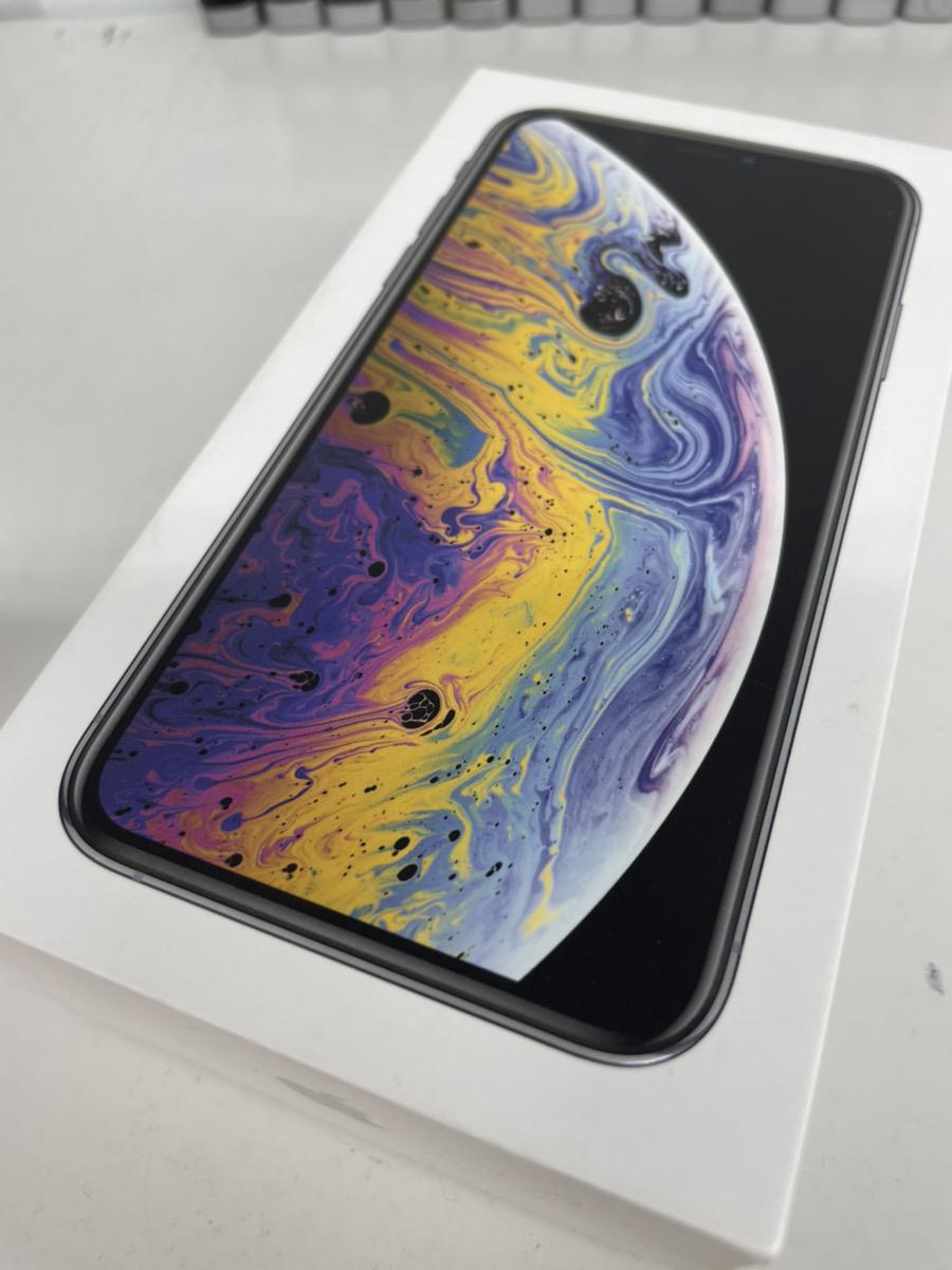 iPhoneXs 64GB ホワイト SoftBank  中古品