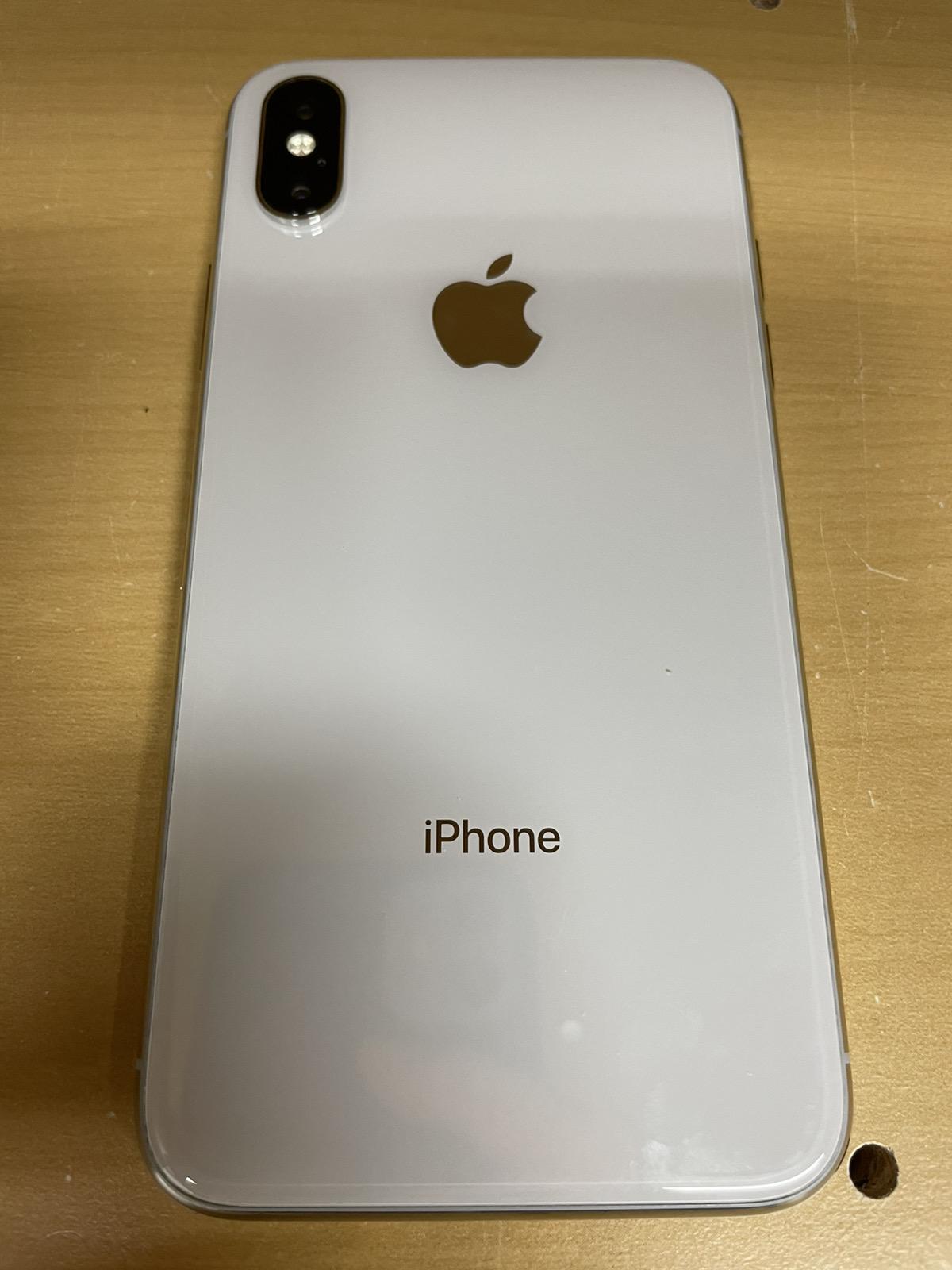 iPhone X 64GB シルバー