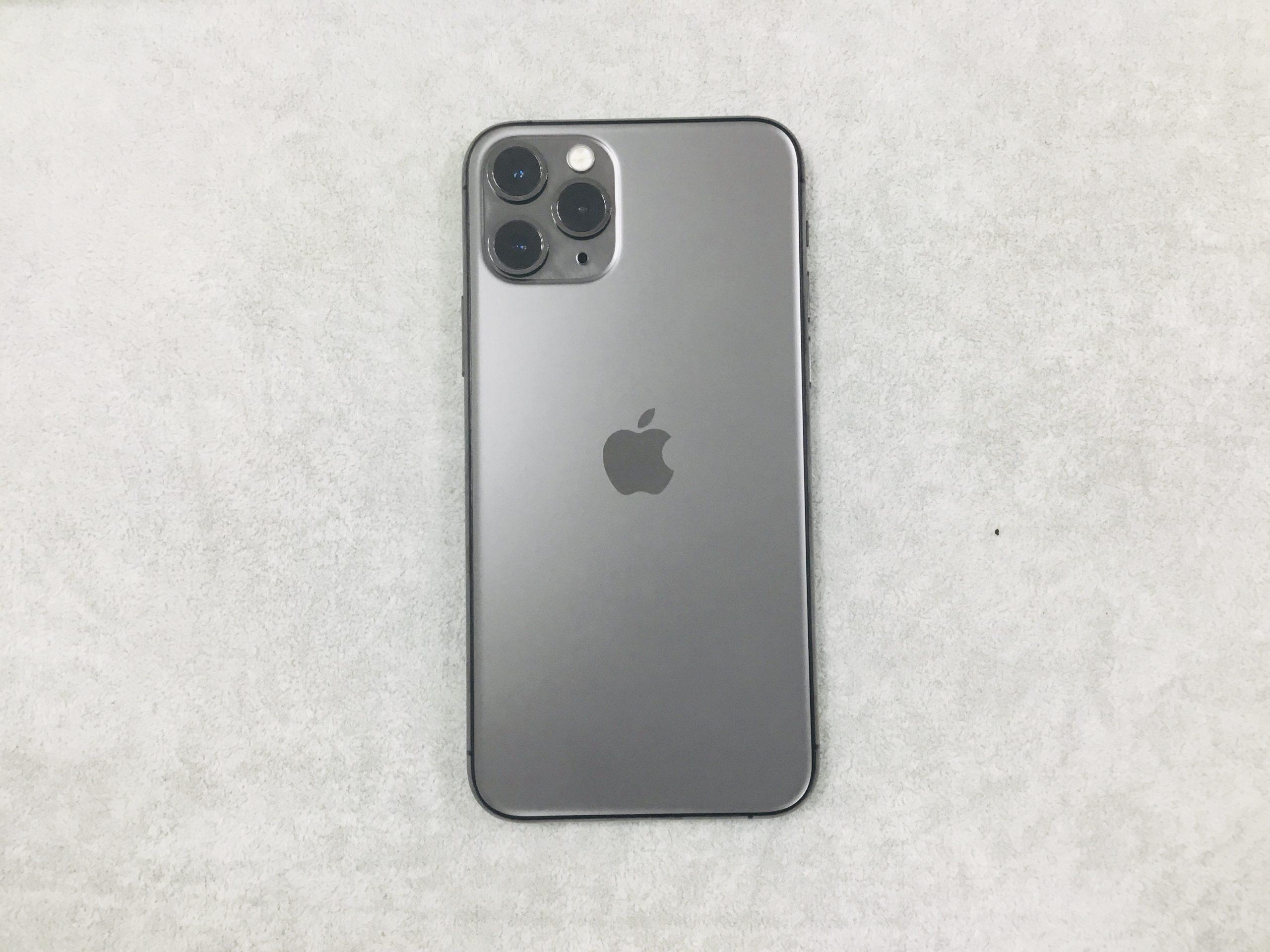 iPhone11Pro ブラック 256GB docomo 判定△ sim未解除 中古