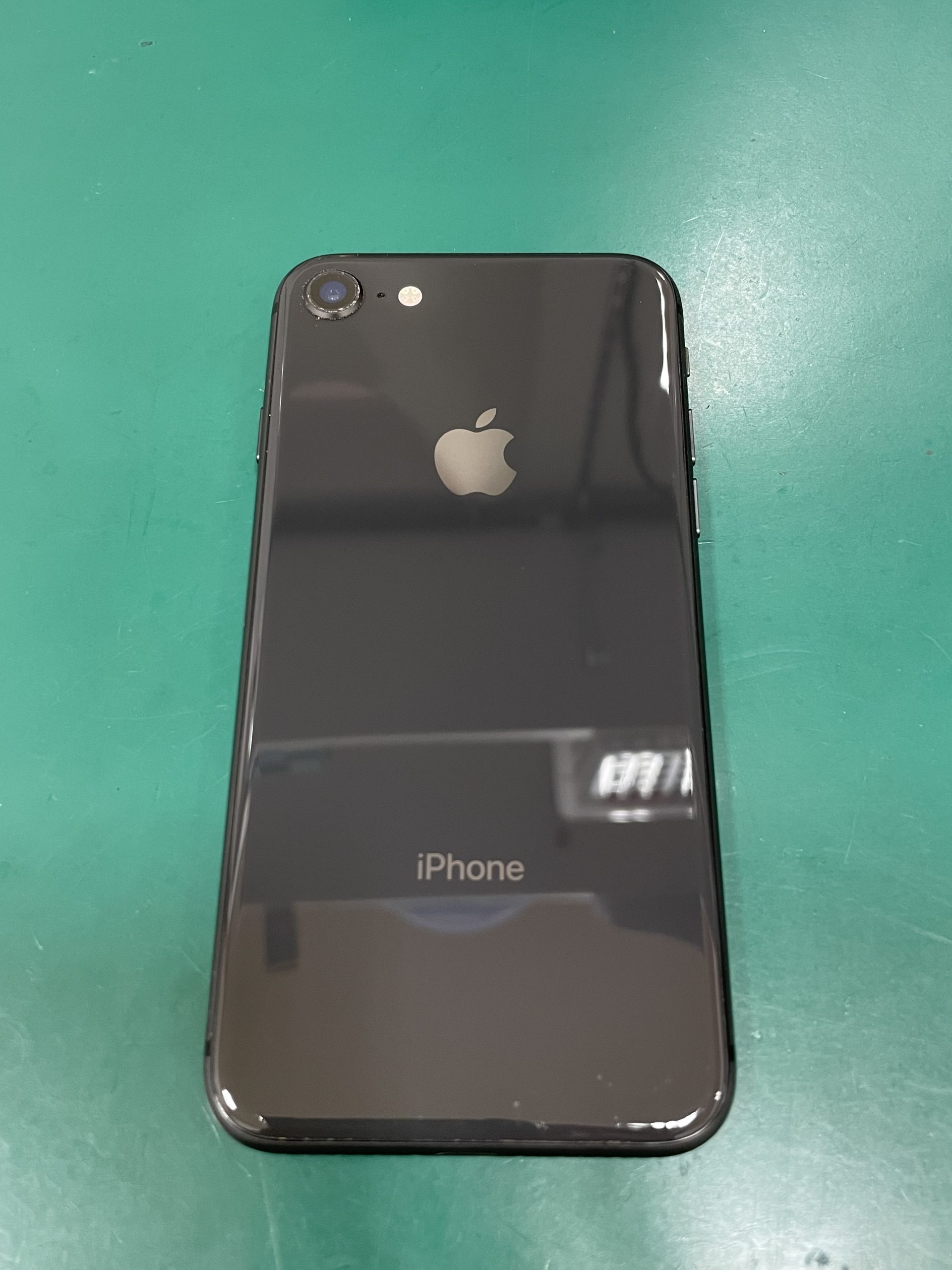 iPhone8 128GB ブラック docomo 中古