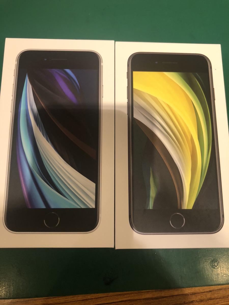 iPhoneSE2 64GB au ○ 新品 ブラック、ホワイト