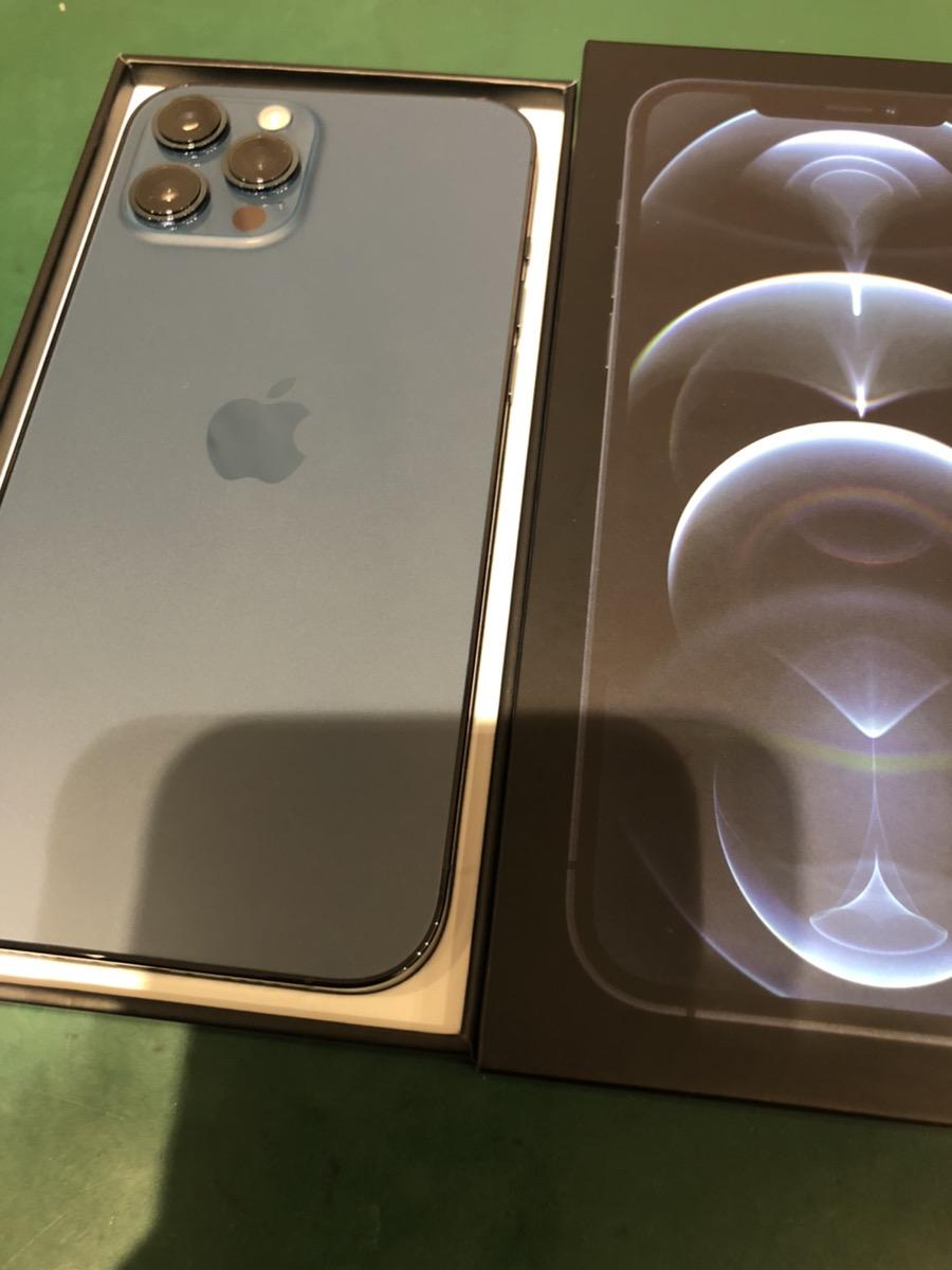 iPhone12ProMax 256GB ブルー au △ 中古