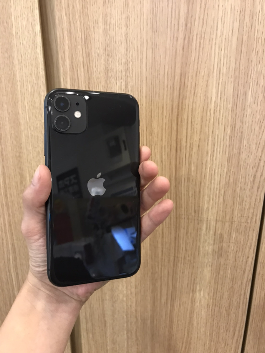 iPhone 11 128GB ブラック softbank 〇 中古