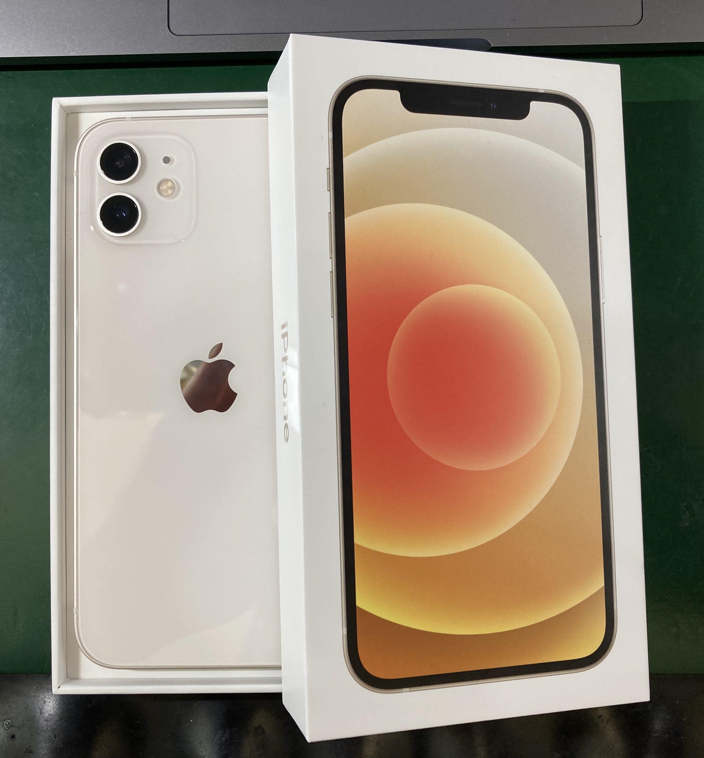 iPhone12 ホワイト 256GB au△判定 未使用品