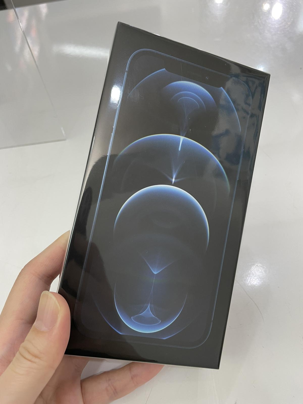 iPhone 12 Pro 256GB ブルー 未開封