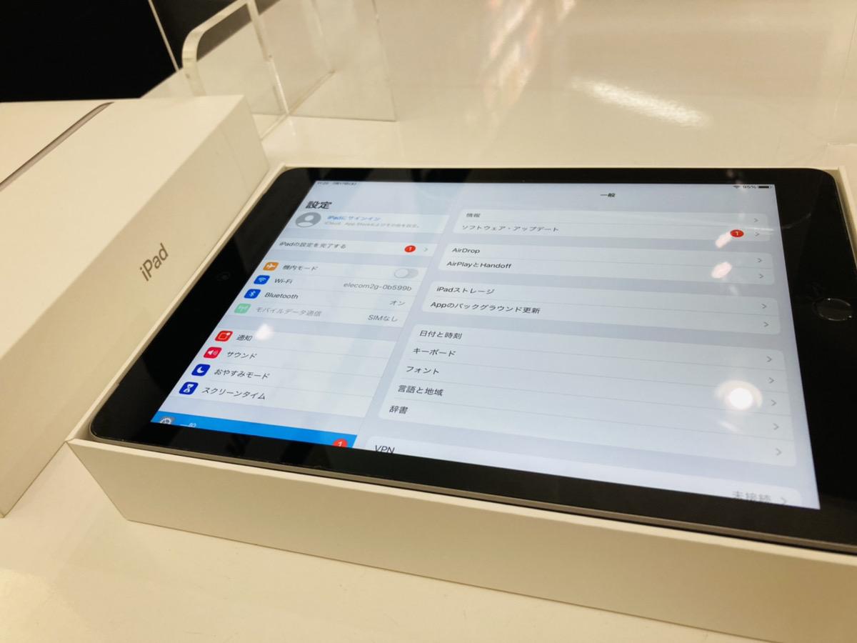 iPad6 32GB au△ 中古箱あり