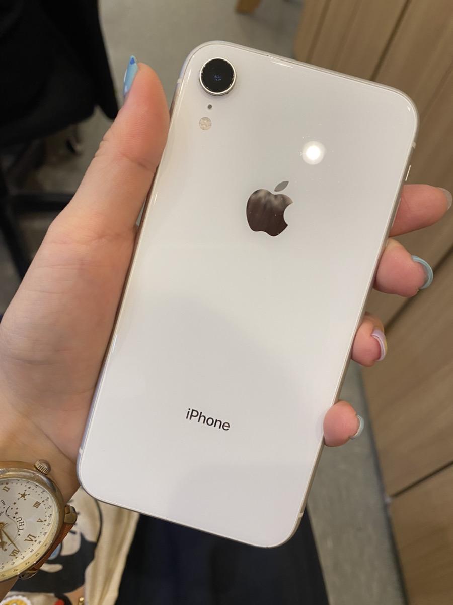 iPhoneXR 128GB ホワイト SoftBank○ 中古
