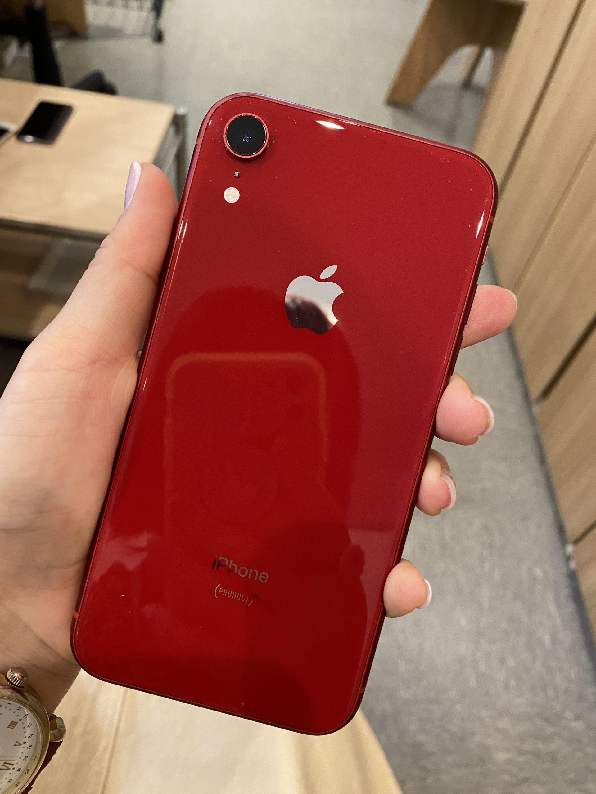 iPhoneXR128GBレッドDocomo〇中古