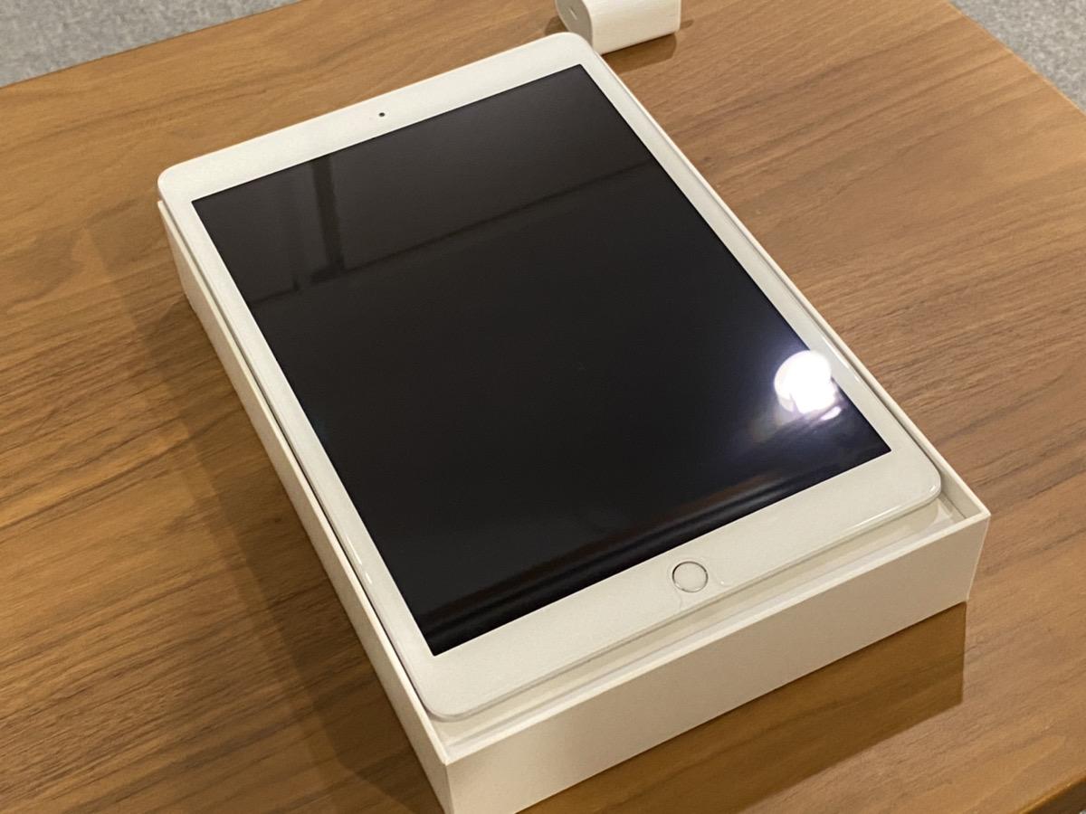iPad7 cellular softbank△32GB 中古品