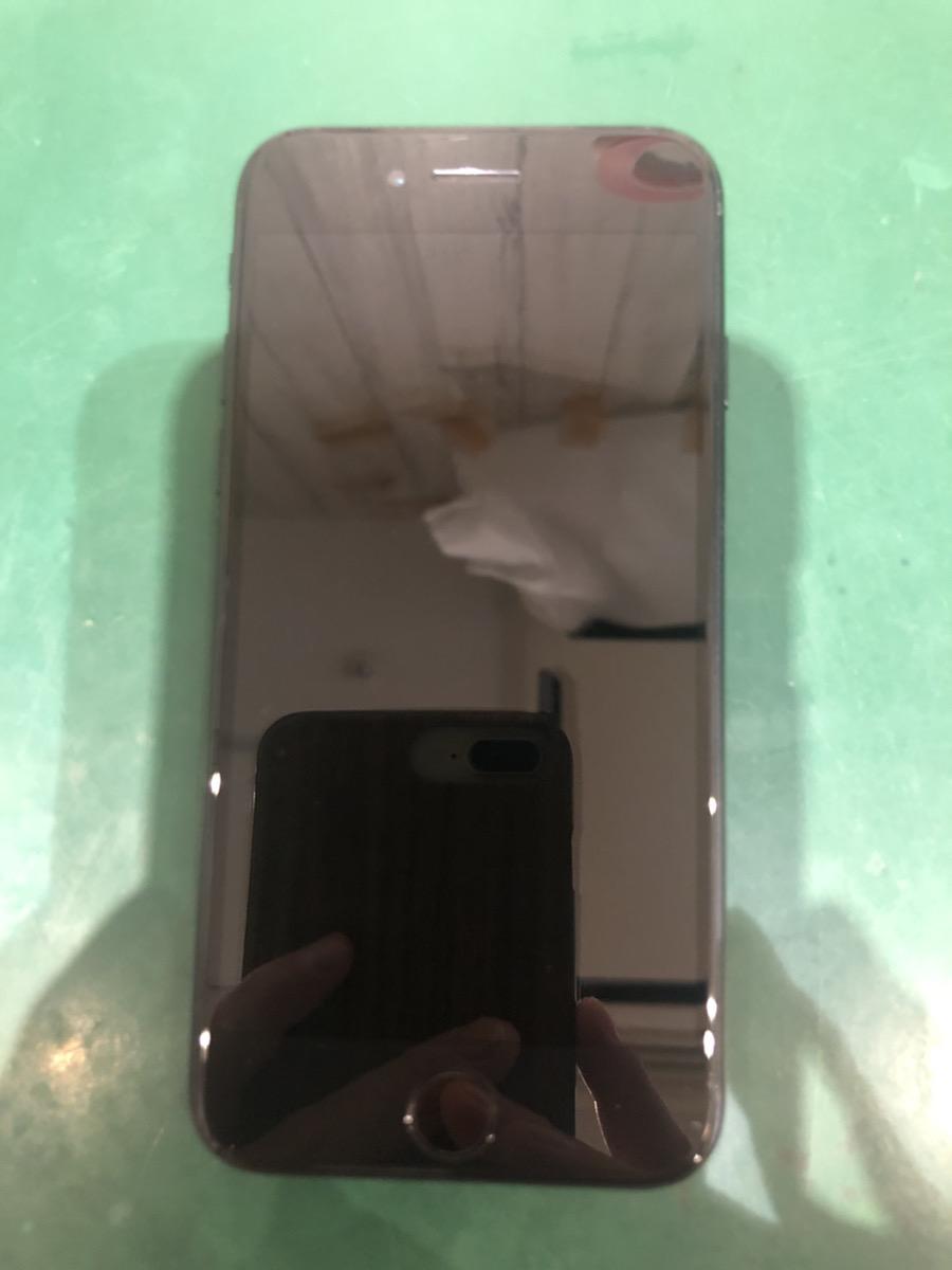 iPhone8 64GB スペースグレー au ○ 中古