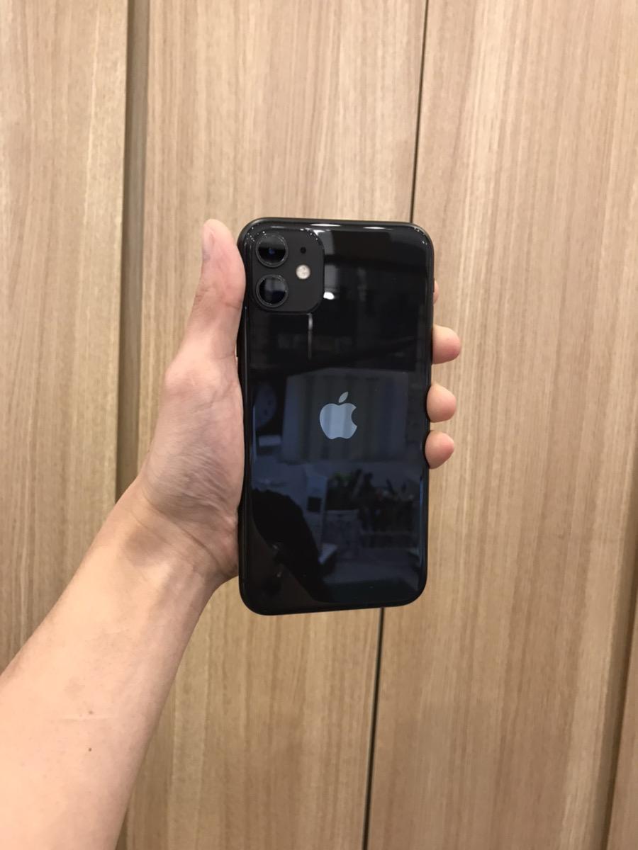 iPhone 11 128GB ブラック au△ 中古 SIMロック未解除 ガラスコーティング加工