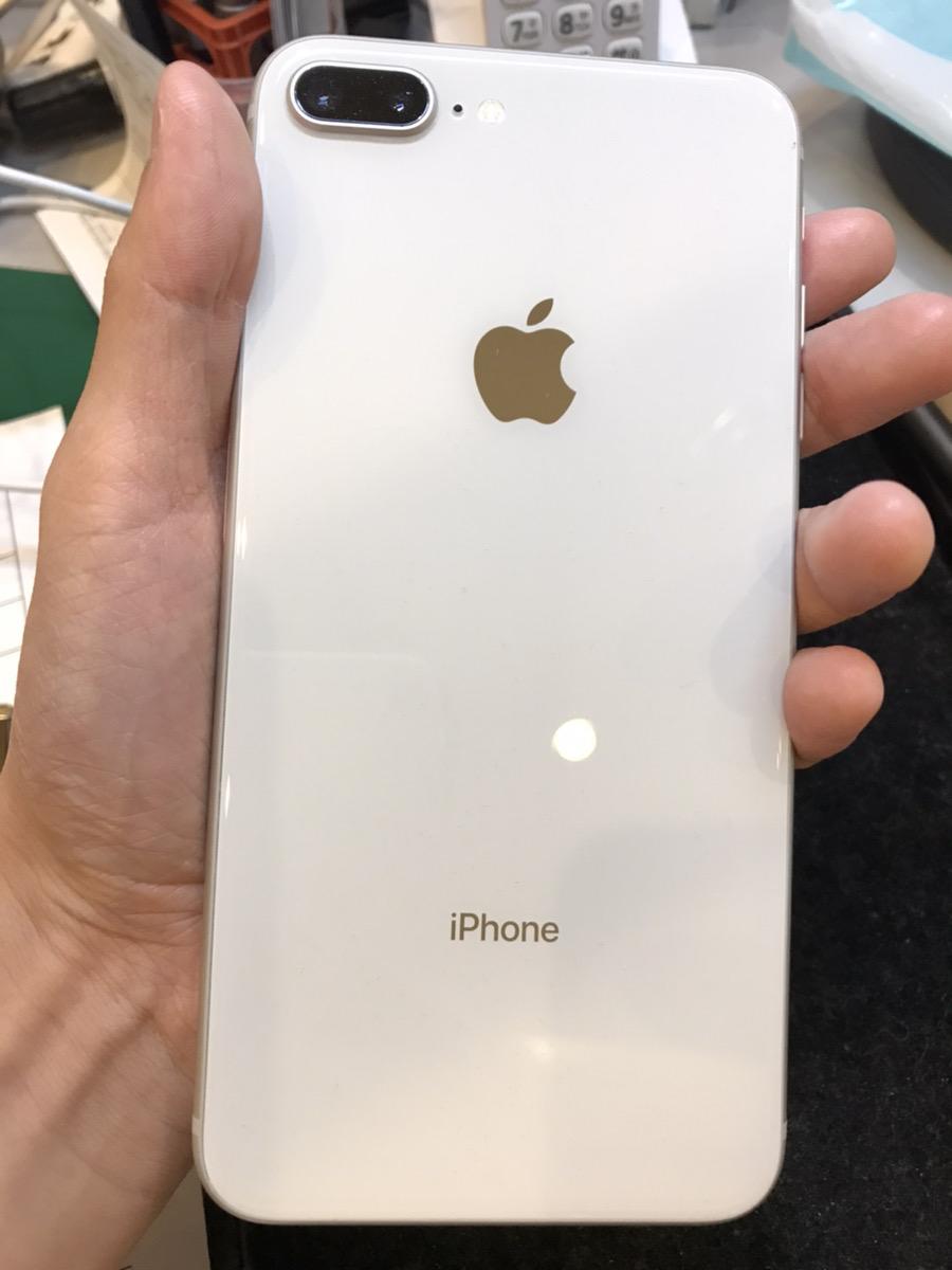 iPhone8Plus 64GB シルバー docomo○ 中古
