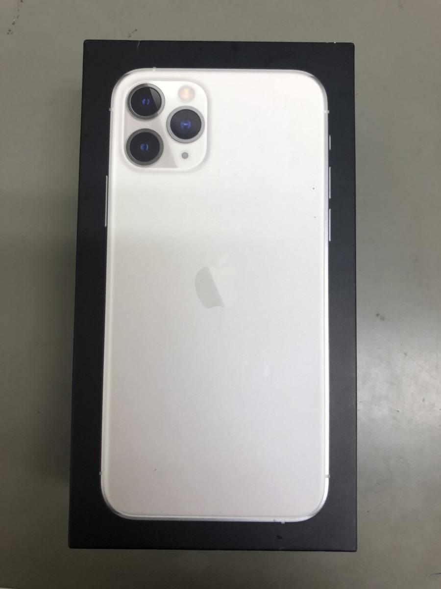 iPhone 11 Pro 256GB シルバー au △ ジャンク