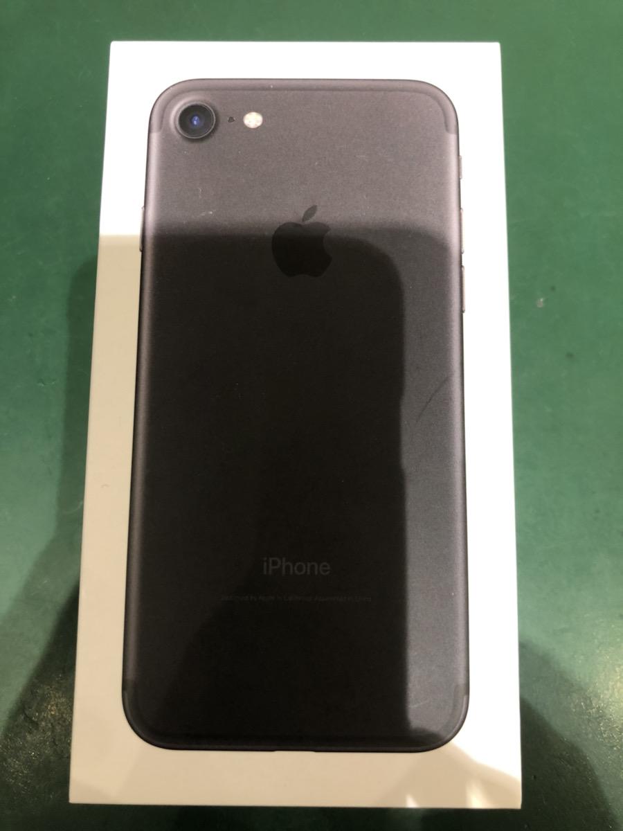 iPhone7 256GB ブラック docomo ○ 中古