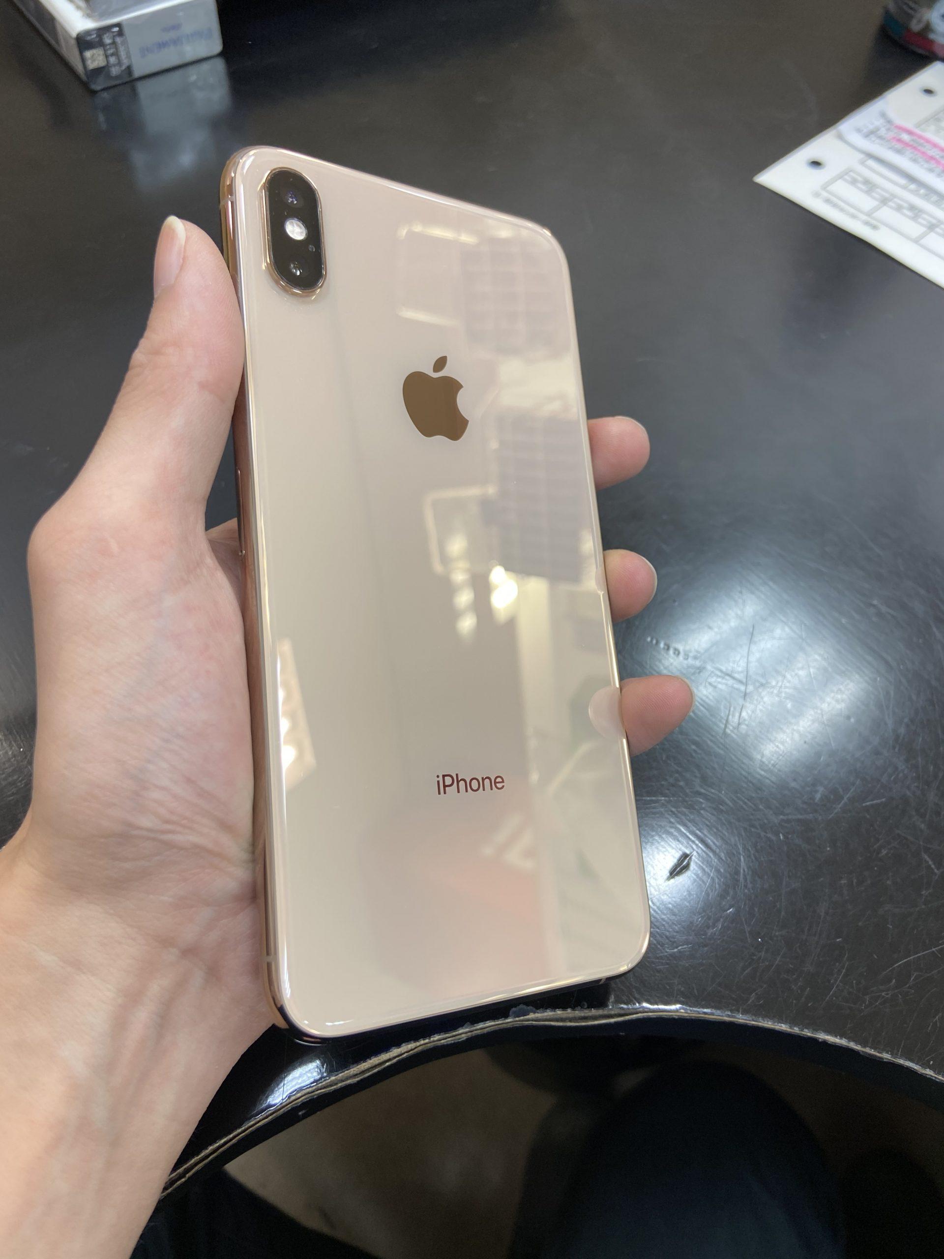iPhoneXS Max 64GBゴールド au 〇 中古本体のみ