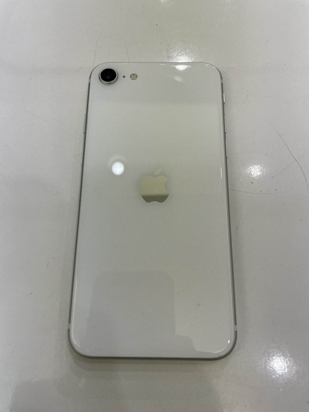 iPhone SE2 64GB ホワイト SIMフリー 中古