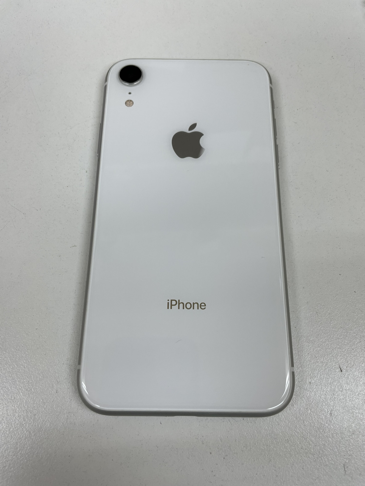 iPhone XR 64GB ホワイト SoftBank△ 中古