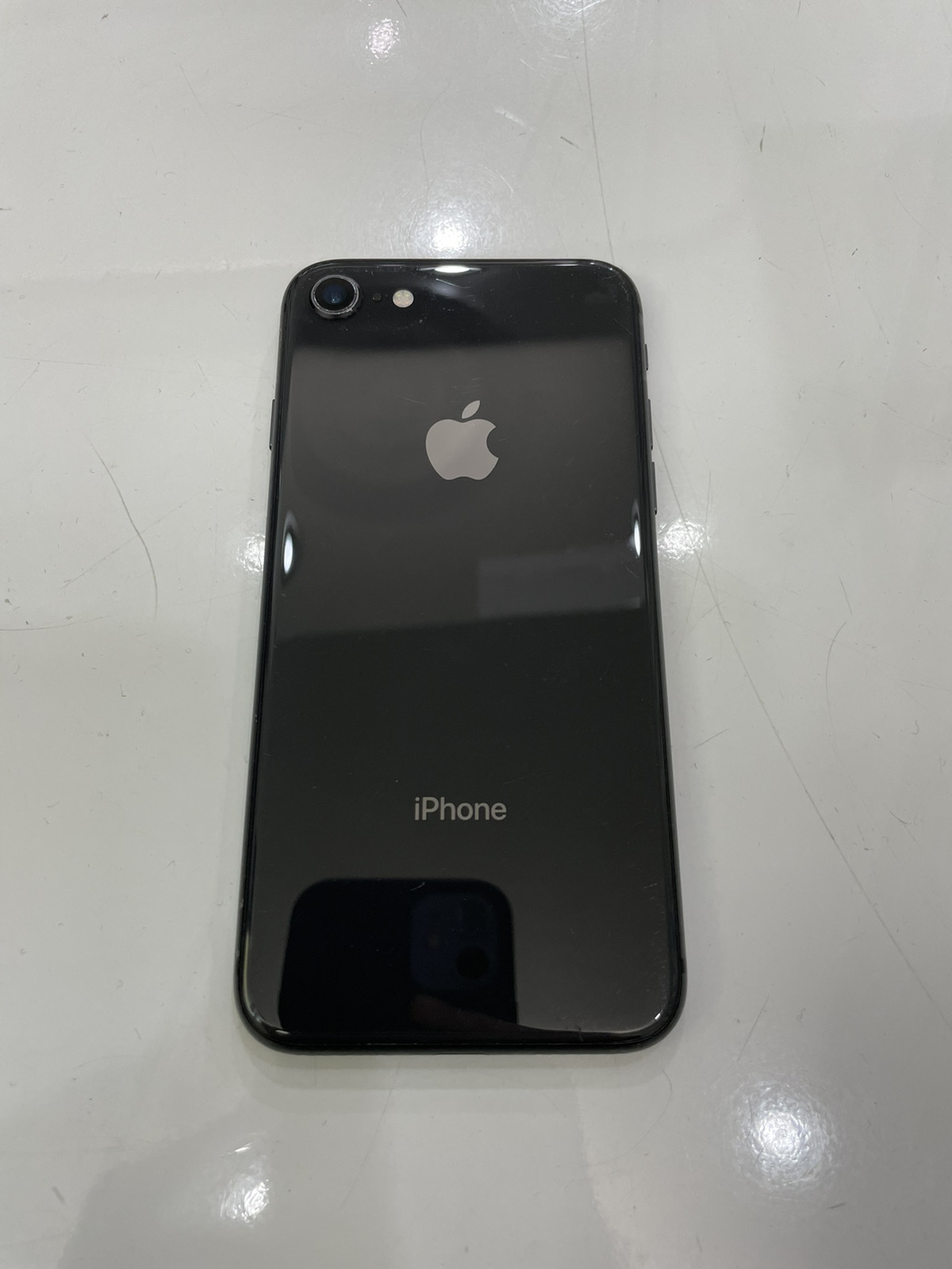 iPhone 8 64GB ジェットブラック ドコモ○ 中古