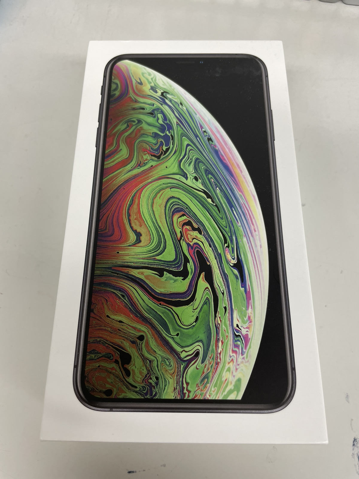 iPhone XS Max 256GB スペースグレイ au○ 中古